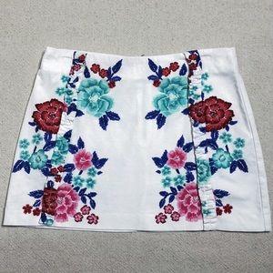 ZARA TRF White Floral Print Ruffle Mini Skirt M